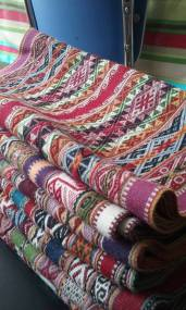 Textiles in alpaca with natural plant dyes